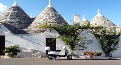 Trulli Albero Bello Puglia