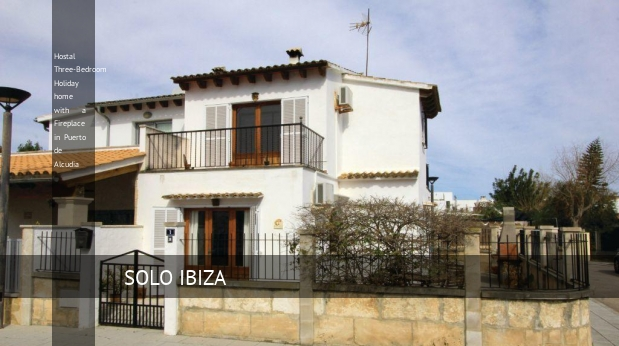 Hostal Three-Bedroom Holiday home with a Fireplace in Puerto de Alcudia