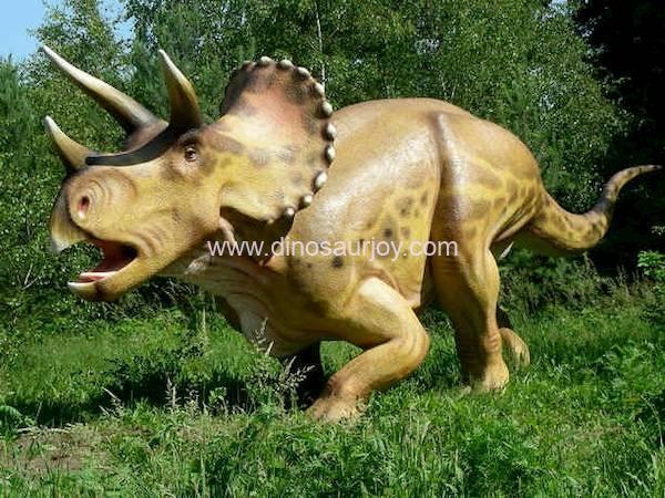 DWD118-Adult-Triceratops
