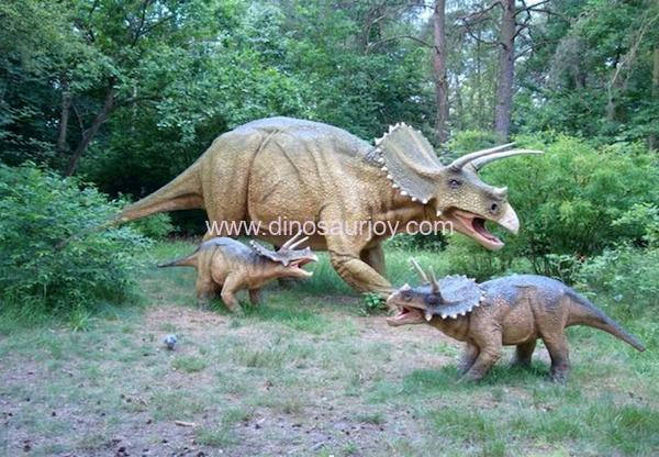 DWD1348-Triceratops-Family