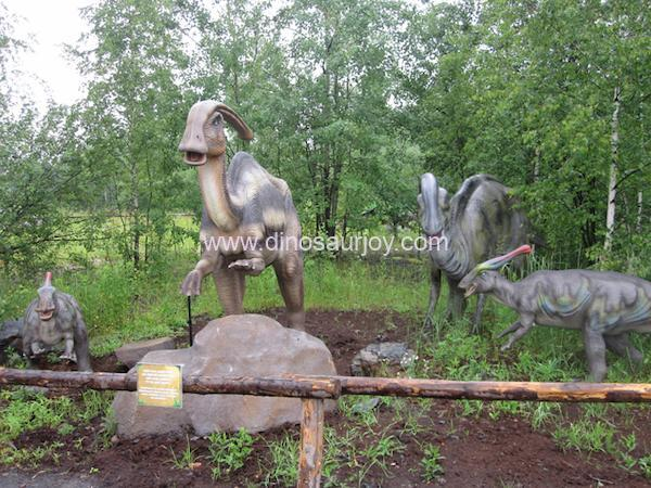 DWD1440-Parasaurolophus(Two adults and two babies )