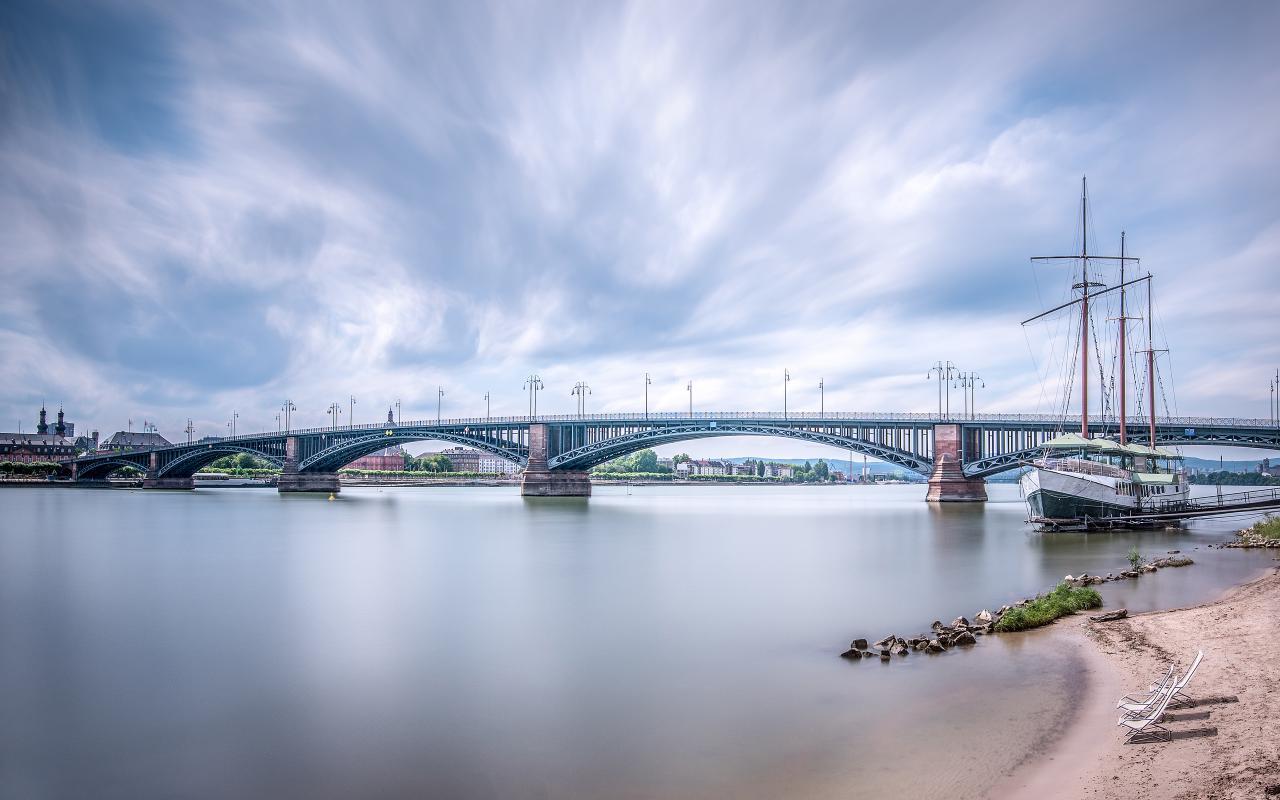 Theodor-heuss-bridge