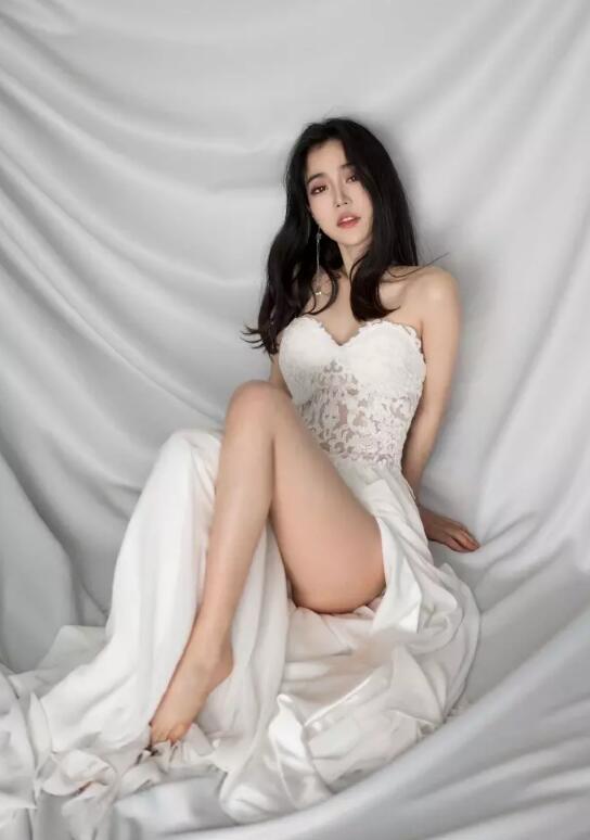 唇红齿白的小仙女白衣天使