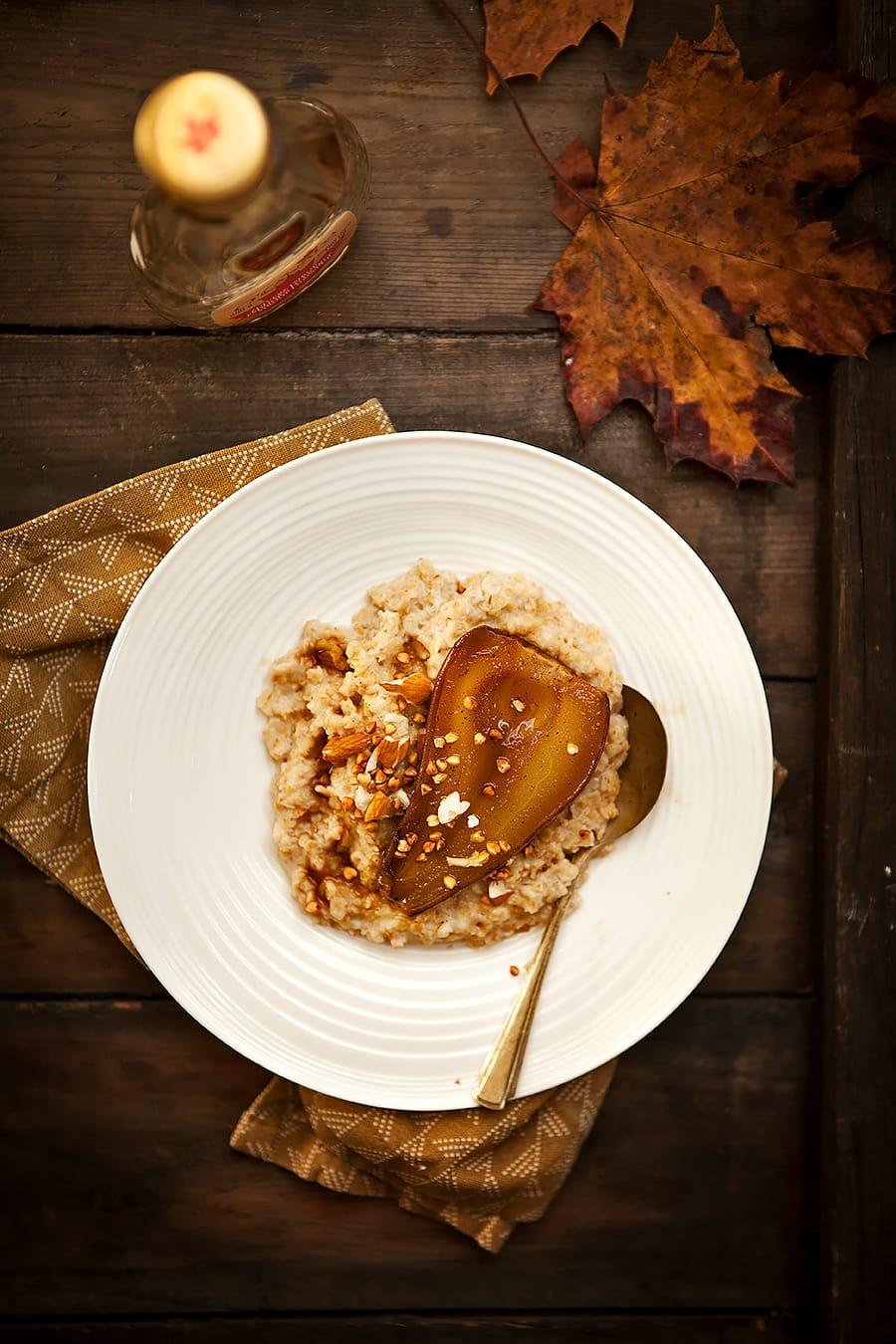 Porridge végétal aux poires et sirop d'érable