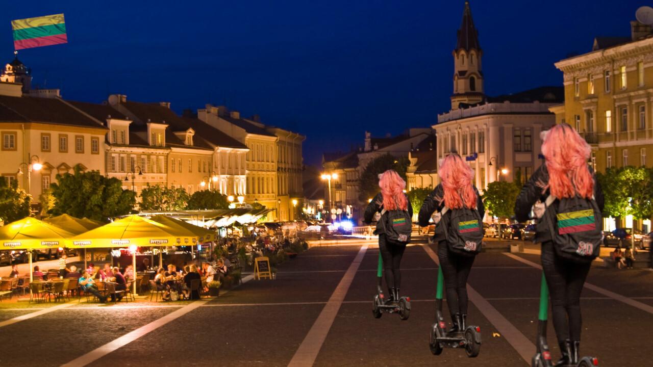 立陶宛街头 人们借助使用清洁能源的交通工具出行