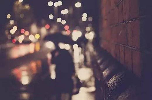 疼你的人在转账,爱你的人给现金,宠你的人买礼物,喜欢你的人发红包,骗你的人在装穷。