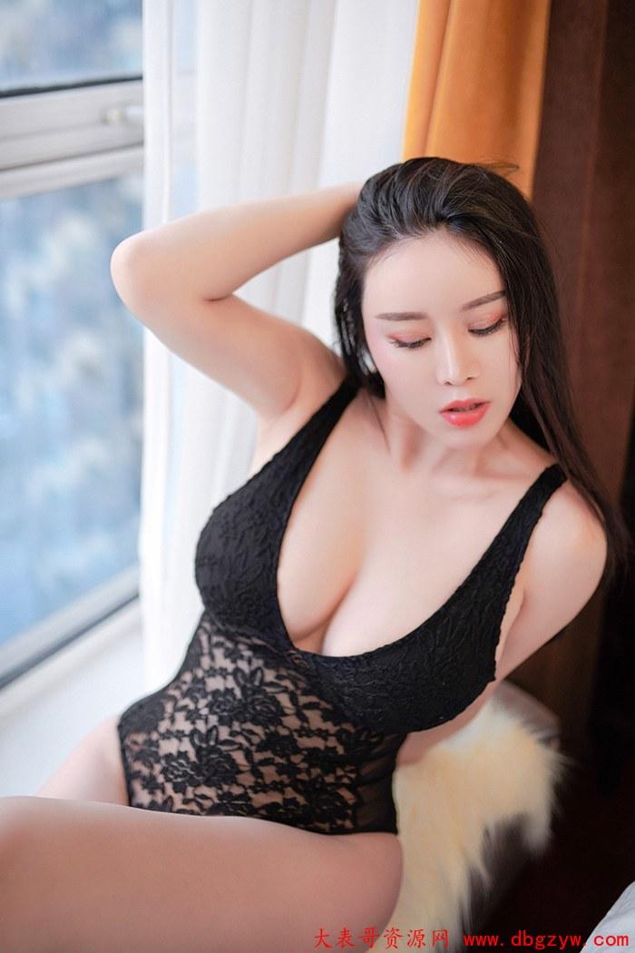 巨乳熟女戴渃欣轻纱薄裙朦胧美诱惑