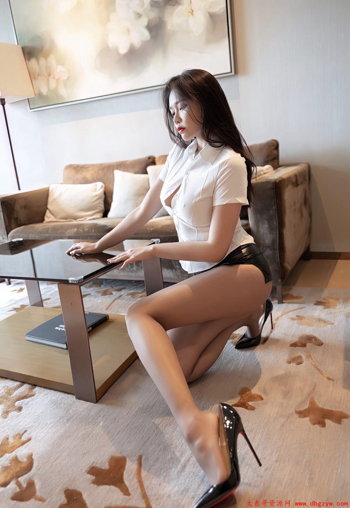 丝袜高跟美女制服诱惑OL美女丝袜美美女图片大胸