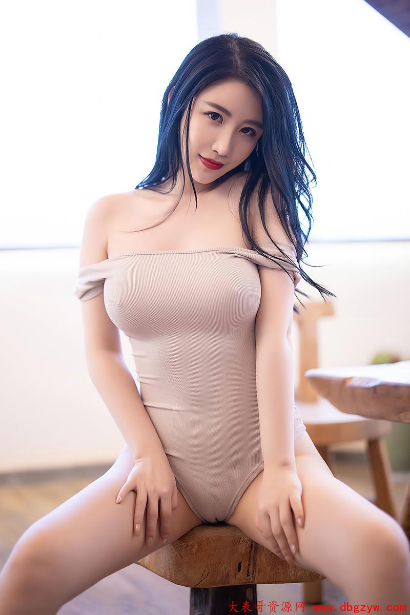 性感模特绯月樱细长美腿百看不厌