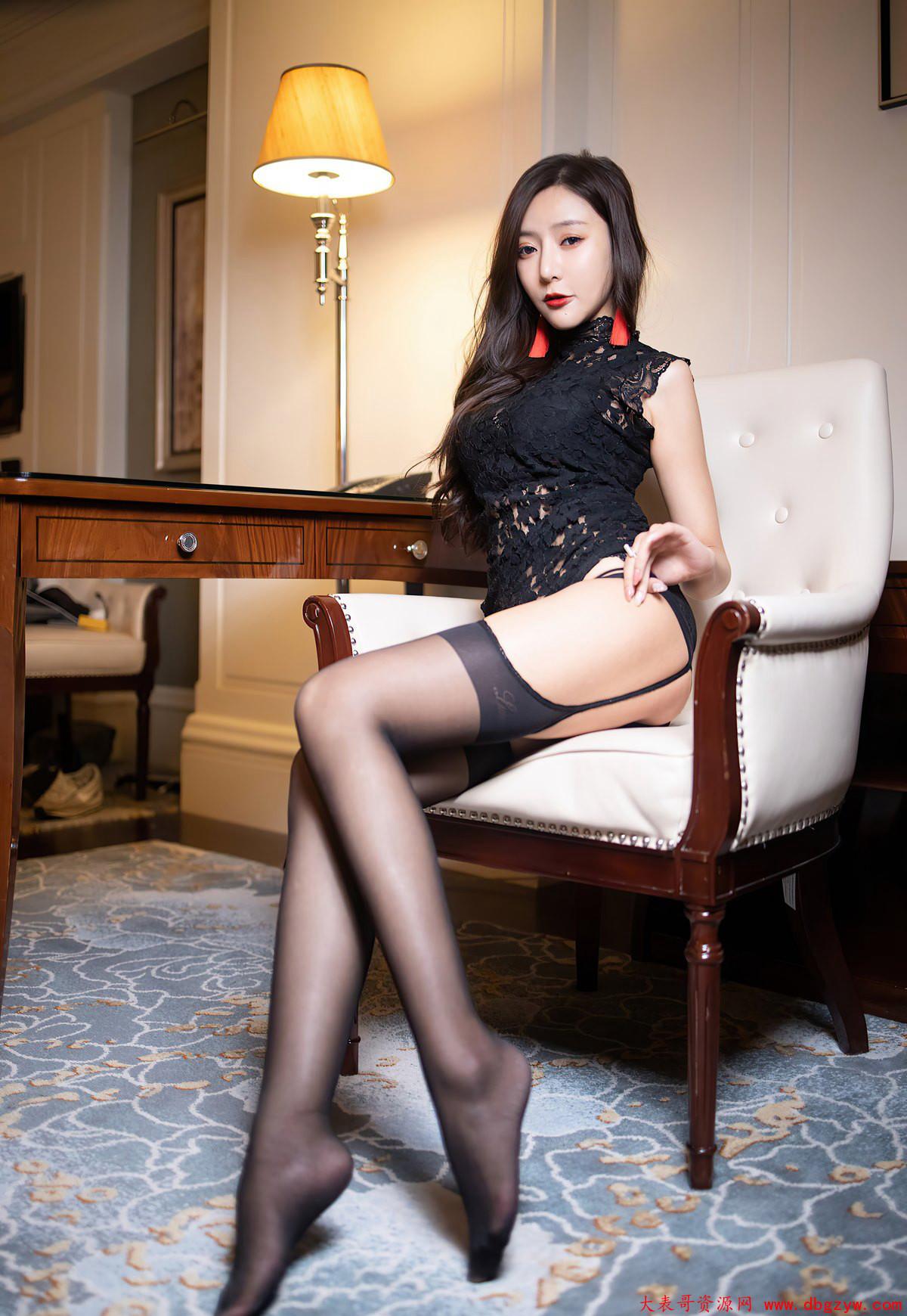 性感蕾丝丁字裤风骚黑丝吊带情趣内衣性感高跟写真