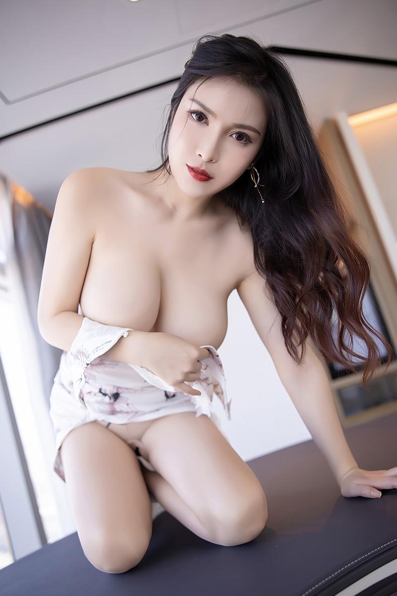 性感模特乔漫妮私房写真秀