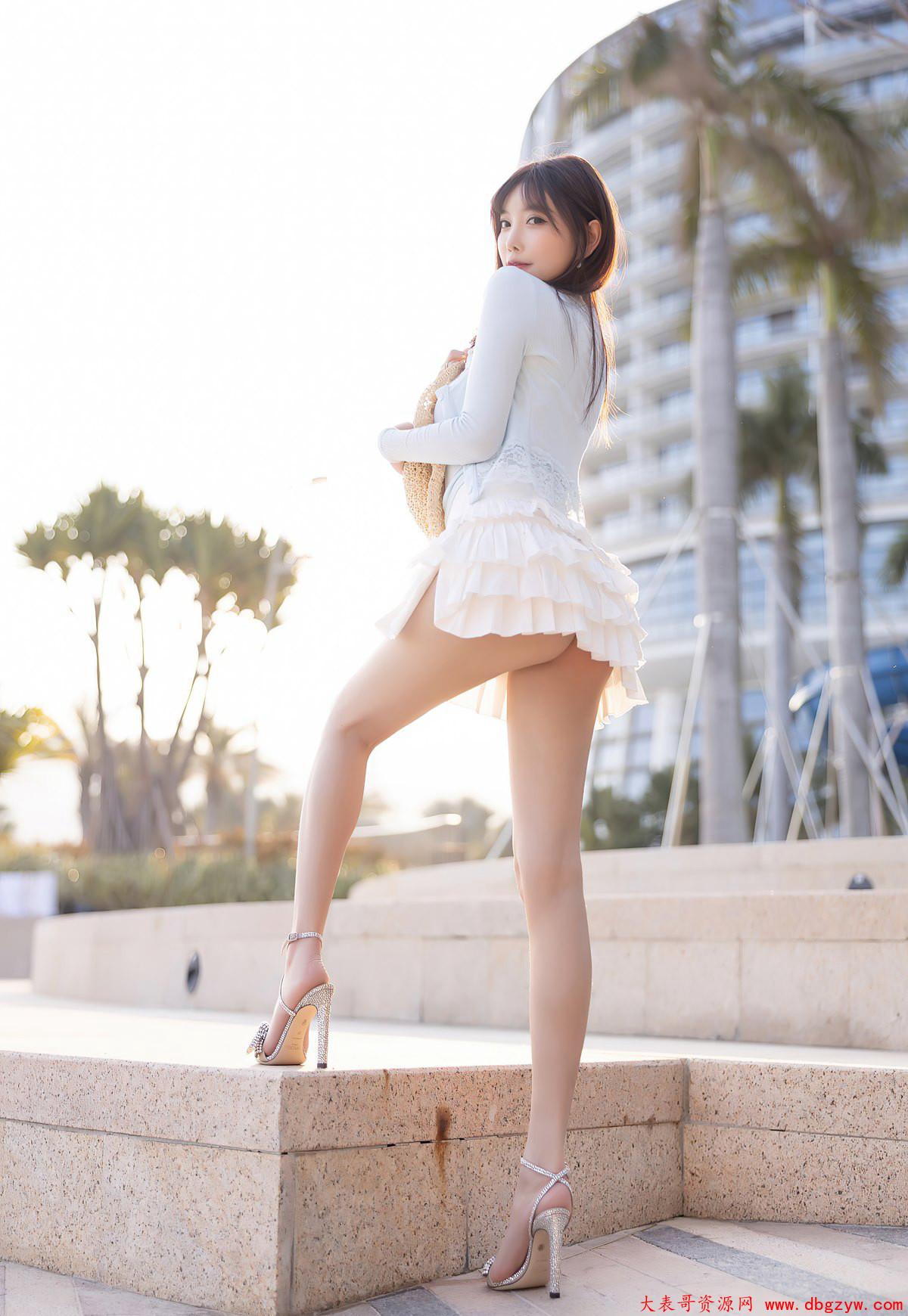 极品美腿高跟风骚美臀海边性感美腿写真集