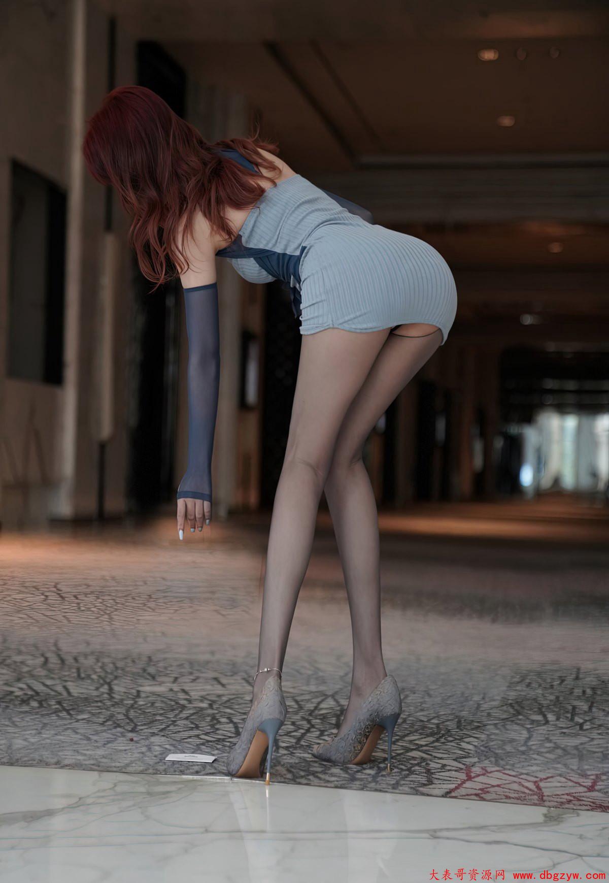 极品大胸黑丝袜高翘臀翘臀黑丝袜高跟玉足熟女少妇