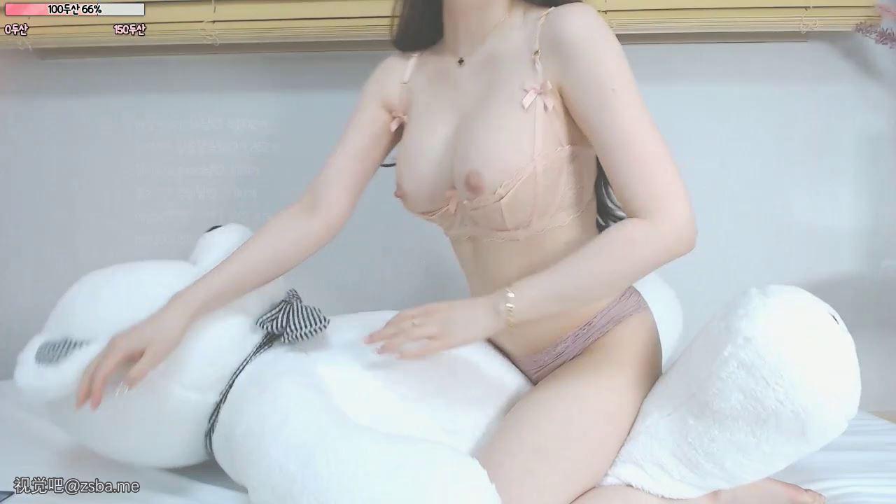 视觉吧@极品小姐姐上古胸器!白色乳液映着闪光缓缓流淌耸立的乳头出卖了它的主人[1V/801MB]插图5