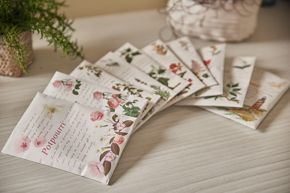 Scented sachet for drawer and closets