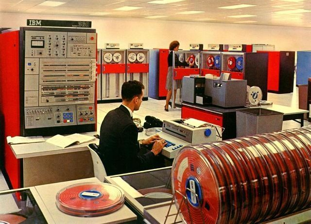 This room-sized IBM computer from the 1960s was awesome in it's