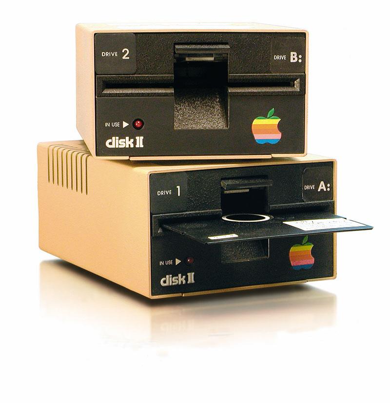 苹果Ⅱ 使用磁带作为存储媒介